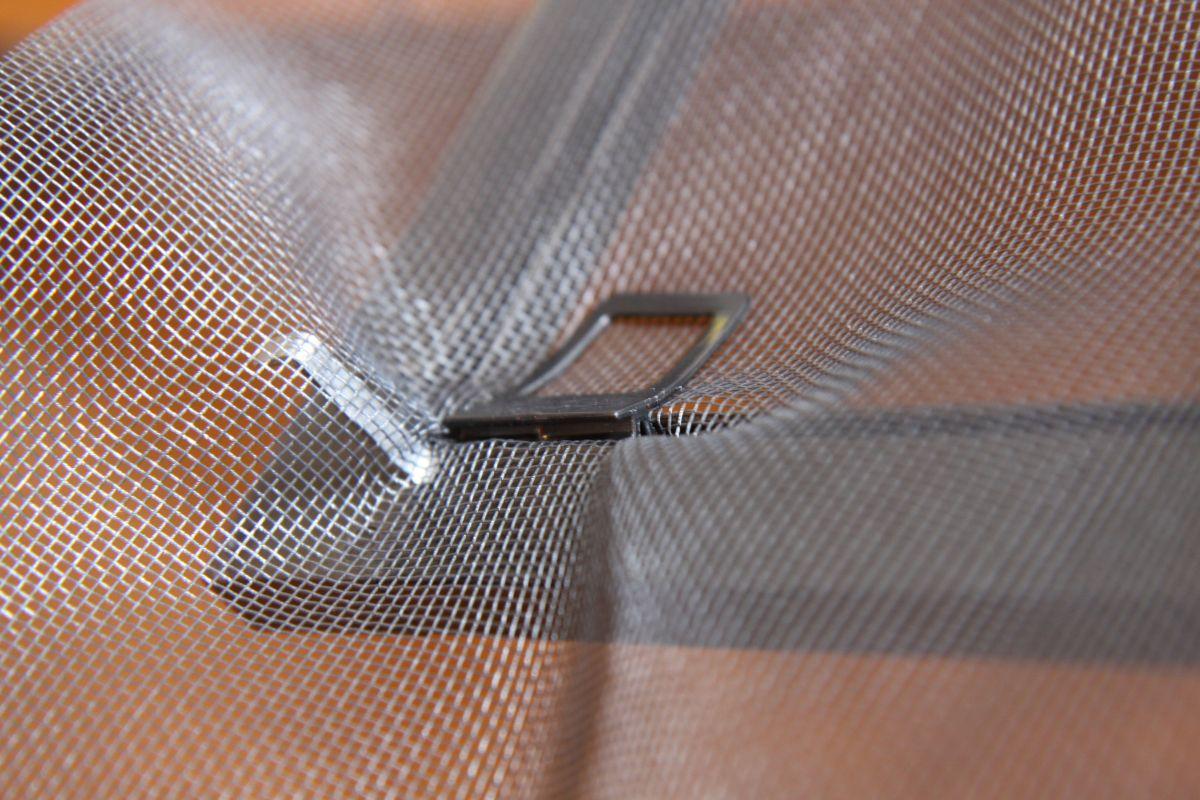 Netz Spannen anleitung schellenberg insektenschutz fenster montieren