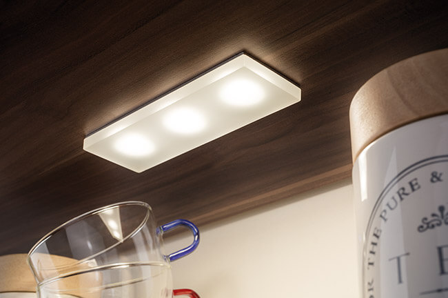 Ultraflache LED Lampe unter Küchenschrank