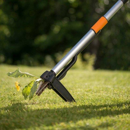 Der Fiskars Unkrautstecher Test – So leicht war Gartenarbeit noch nie!