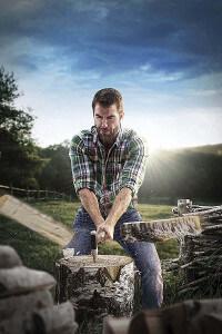 Einfaches Holz machen mit der Fiskars Axt X17-M