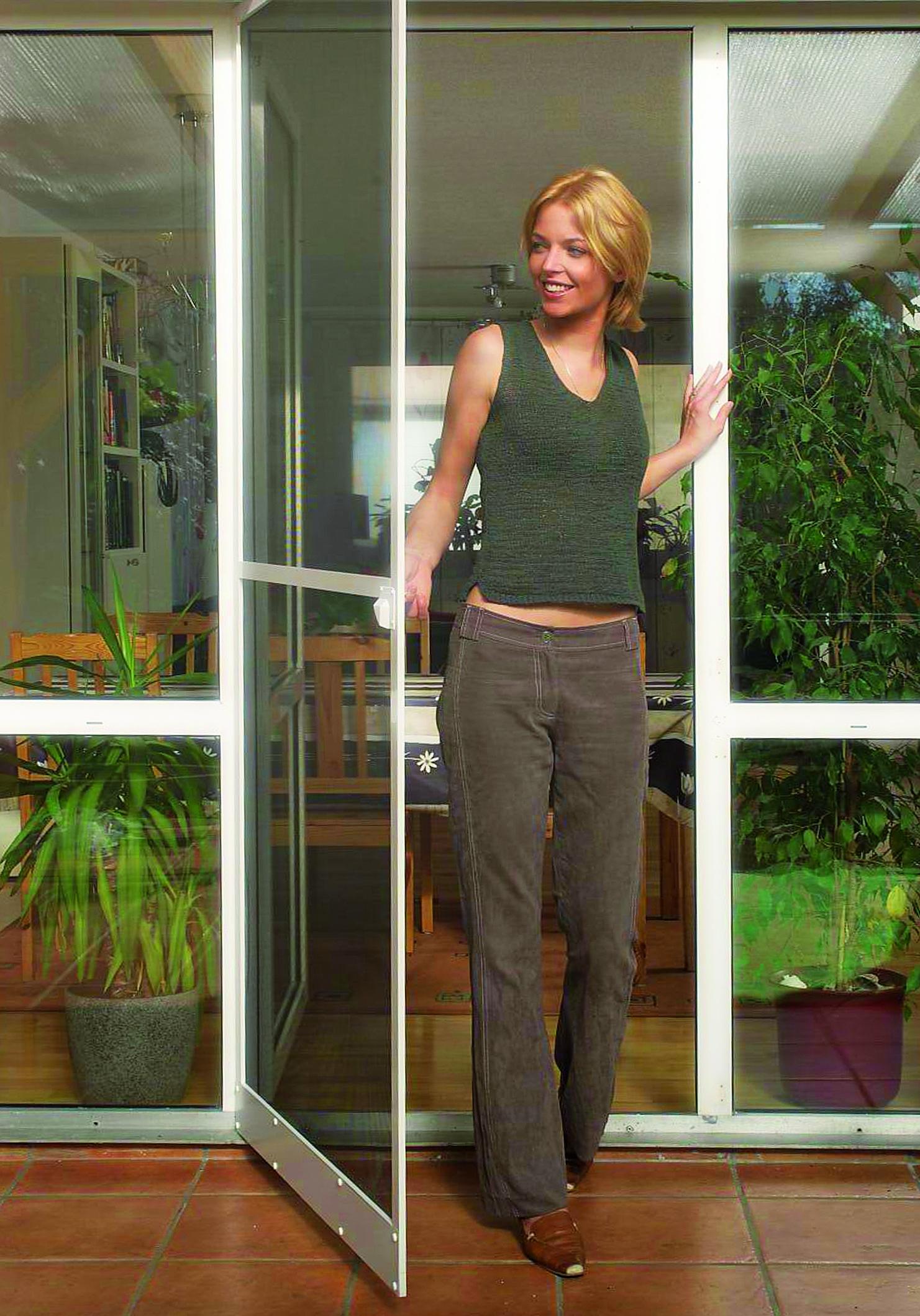 schellenberg insektenschutzt r premium wei oder braun. Black Bedroom Furniture Sets. Home Design Ideas